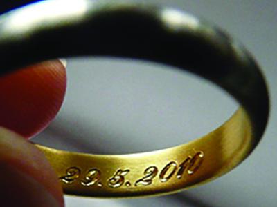 Schmuck Uhren Gold Gravuren Juwelier Haan